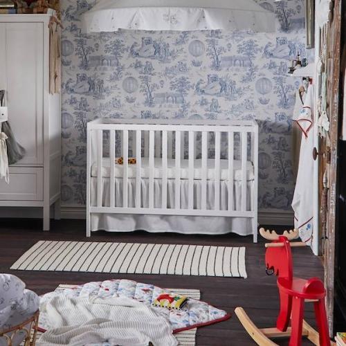Кроватка с матрасом для новорожденных младенца