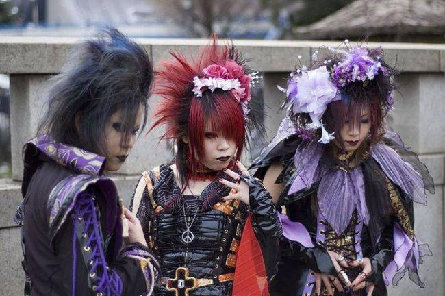 Visual-kei-subkultura-YAponii.jpg
