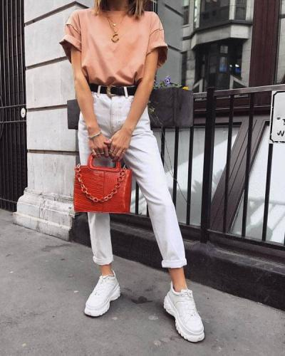 white-mom-jeans-1.jpg