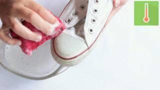 550px-nowatermark-Clean-White-Converse-Step-7-Version-2-320x180.jpg