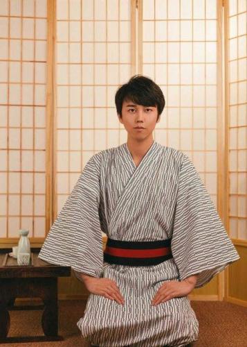 muzhskoe-kimono-obzor-vidov-i-sekrety-vybora-14.jpg