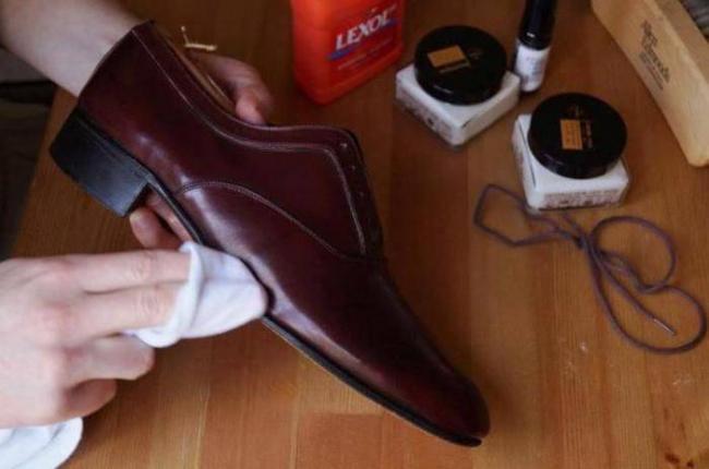 способ-чистки-кожаной-обуви.jpg