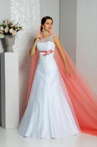 plate-svadebnoe-plate-s-krasnym-poyasom-16-fata-i-elegantnost.jpg